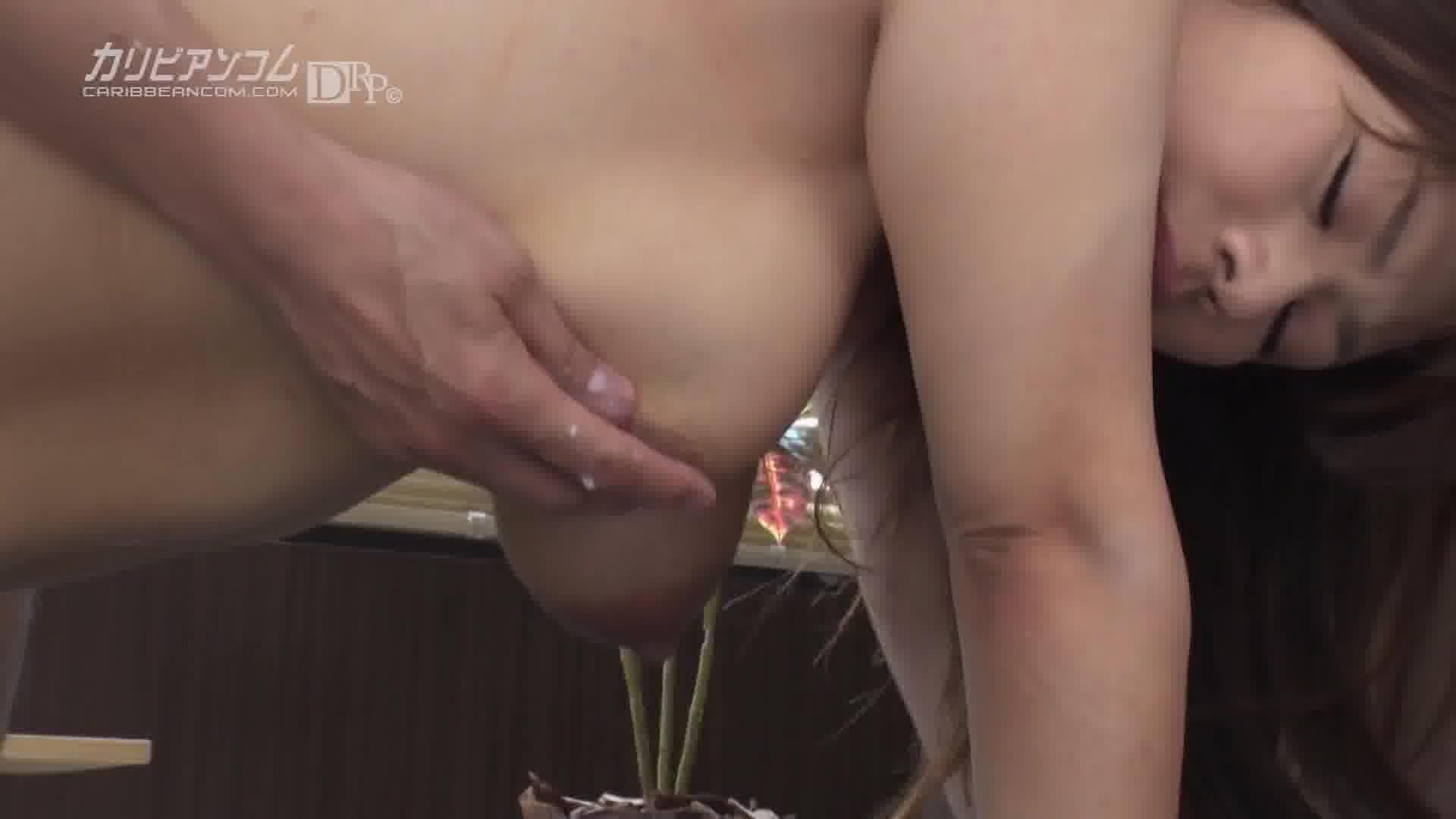 変態医師の母乳治療 - 片山里美【巨乳・クンニ・中出し】