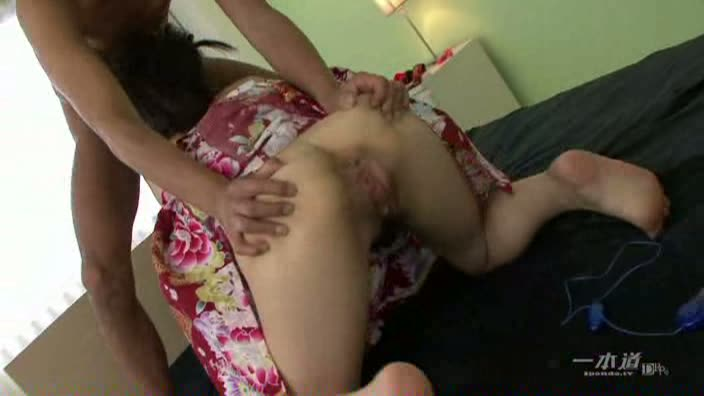 しっぽり濡れる浴衣美人【羽月希】