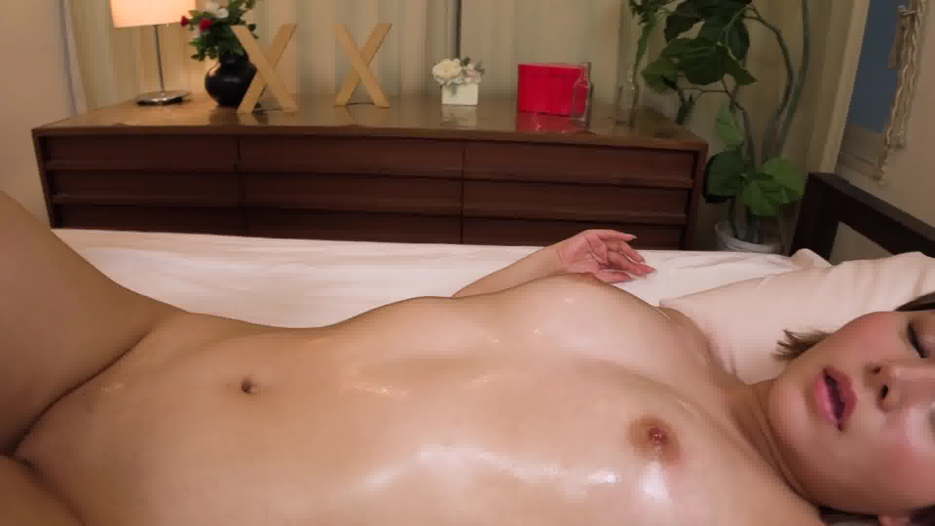 いじられ続けてガチガチになるマゾ乳首14 - 塩見エリカ【美乳・パイパン・中出し】