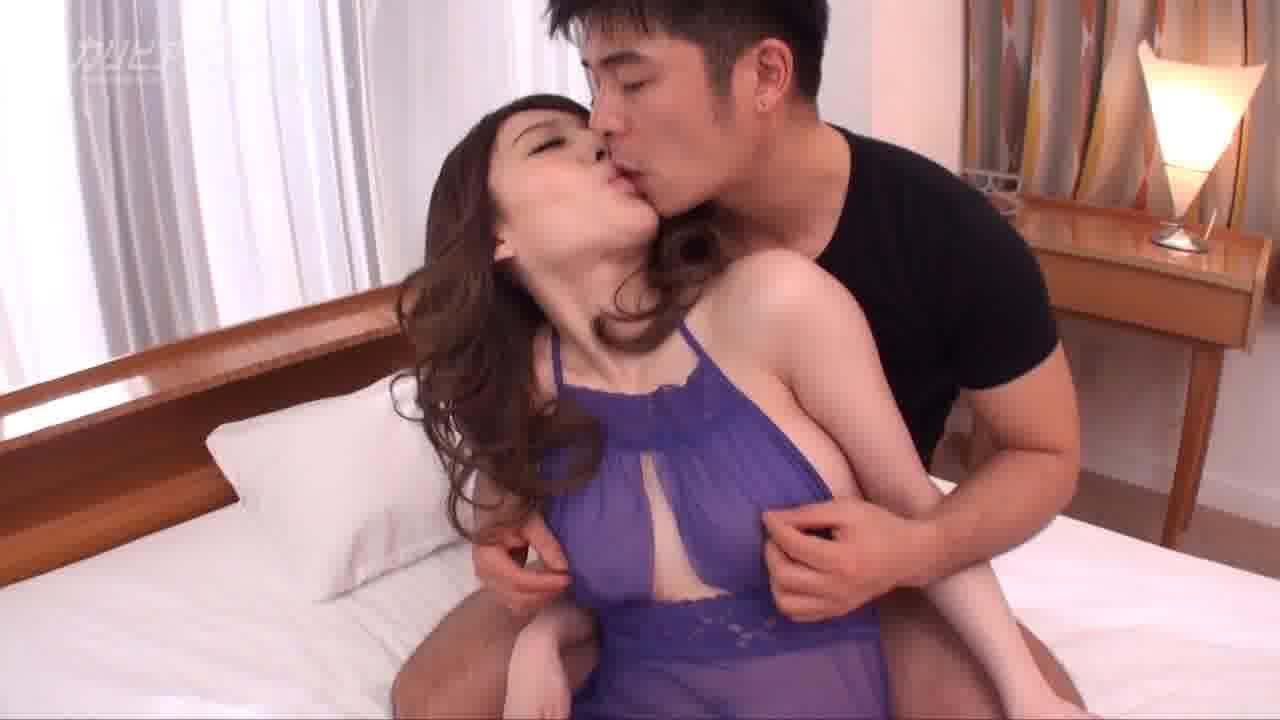 濃厚なKissとSEX - 彩季レナ【巨乳・オナニー・中出し】