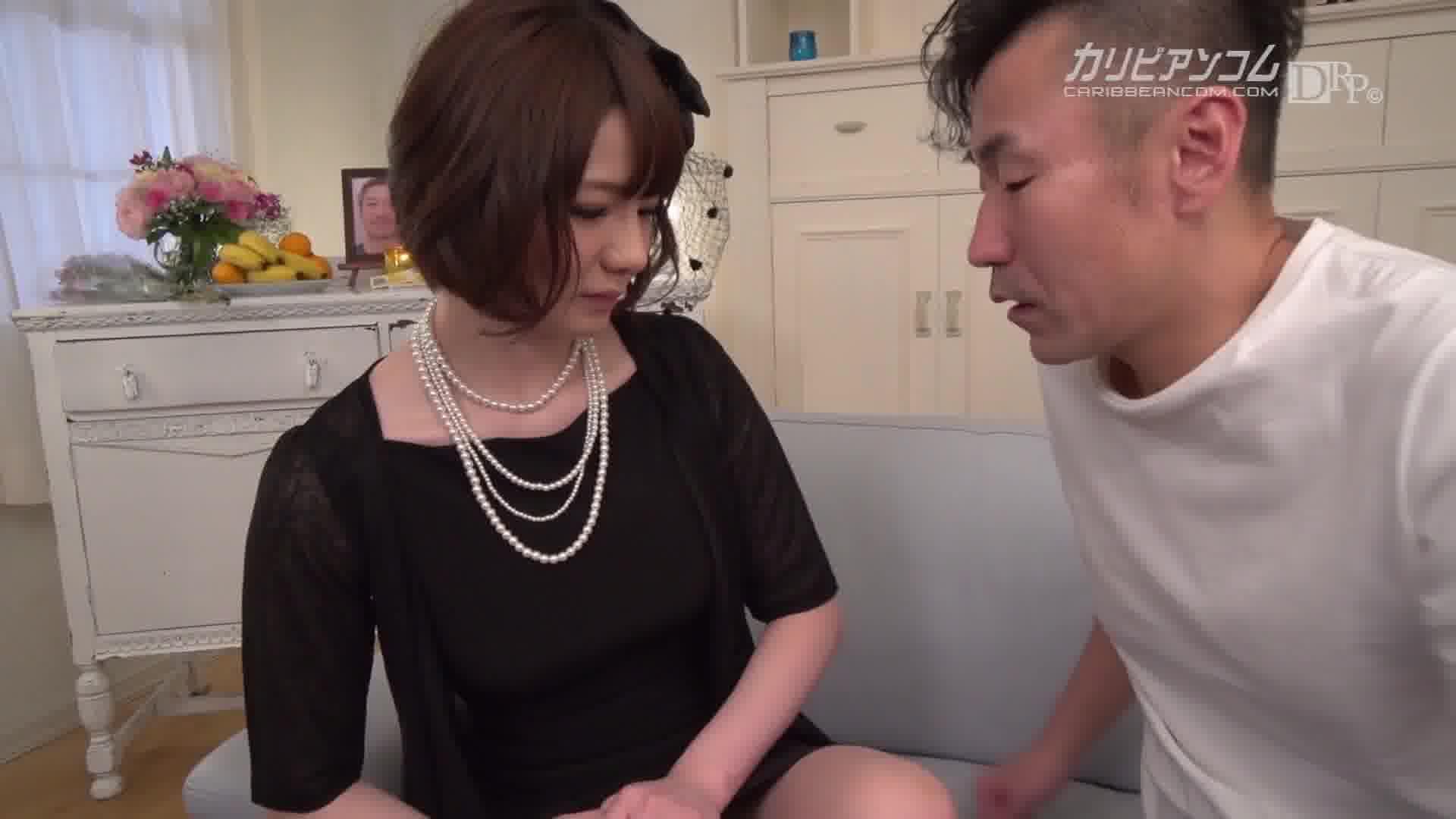 壊れてゆく未亡人 - 宮崎愛莉【スレンダー・オナニー・中出し】