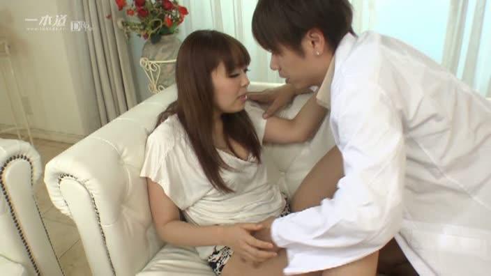 美乳娘のスケベな誘惑【美咲ひな】
