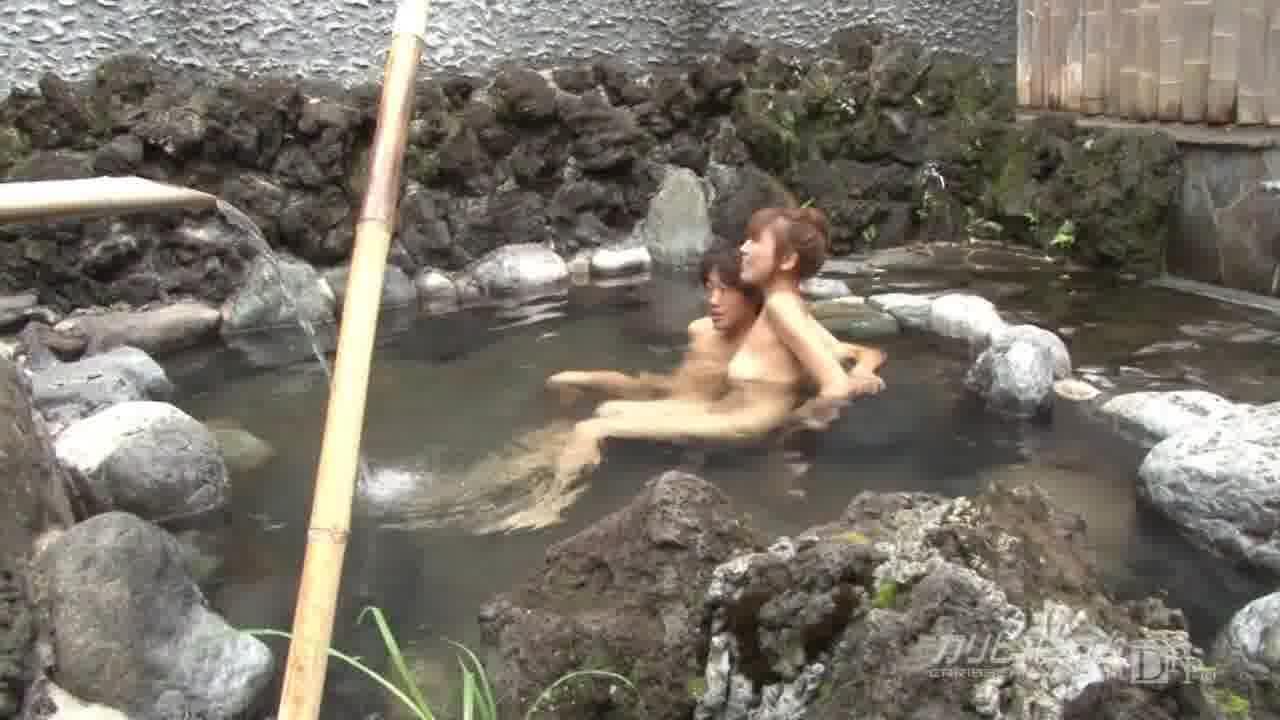 熟女温泉物語 - 草凪純【野外露出・スレンダー・ぶっかけ】