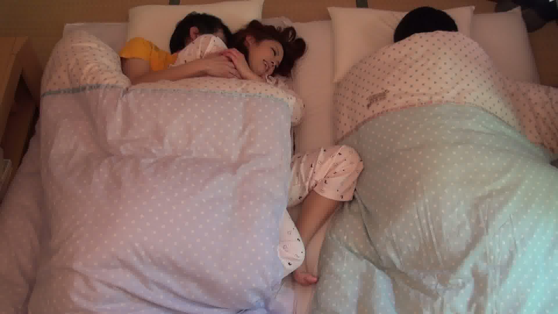 姉妹と川の字で寝ている姉をヤったら喘ぎ声に発情しオナニーする妹 前編中山ゆめみ<br /> 琥珀うた