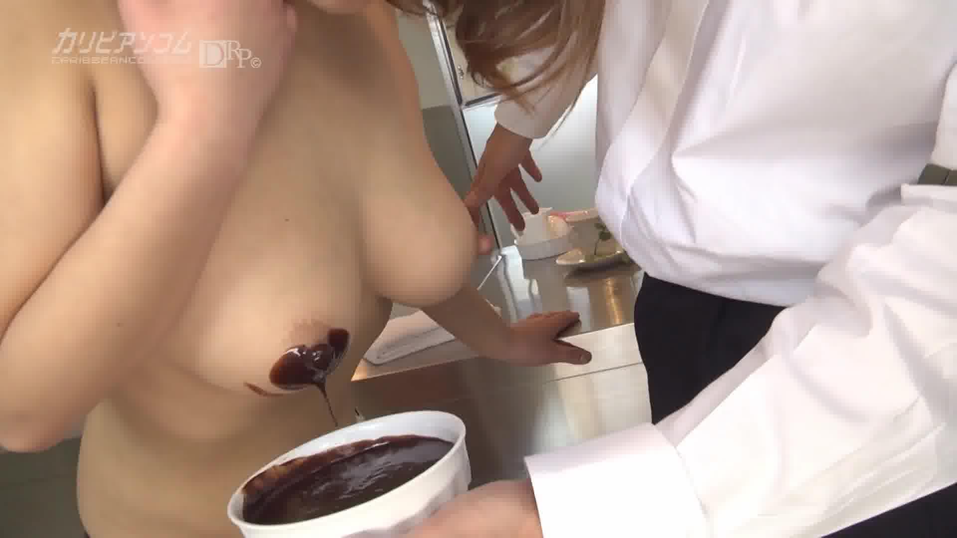 Hカップ爆美乳Hなメイドさん - 藍野夢【痴女・メイド・巨乳】