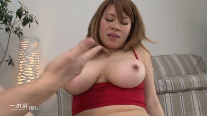 「巨乳インストラクターとHなレッスン」【小宮涼菜】