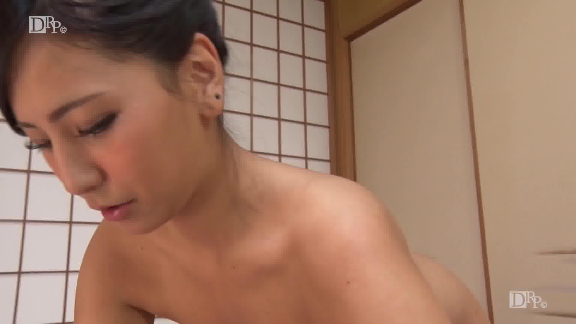 大掃除ができなかったアナタに着物家政婦のご奉仕 - 鈴南ほのか【巨乳・オナニー・浴衣】