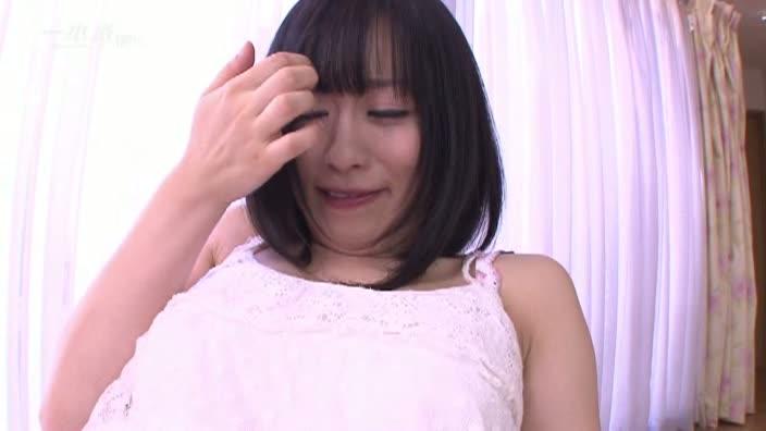 洋服とモザイクを捨てた着エロアイドル【京野結衣】