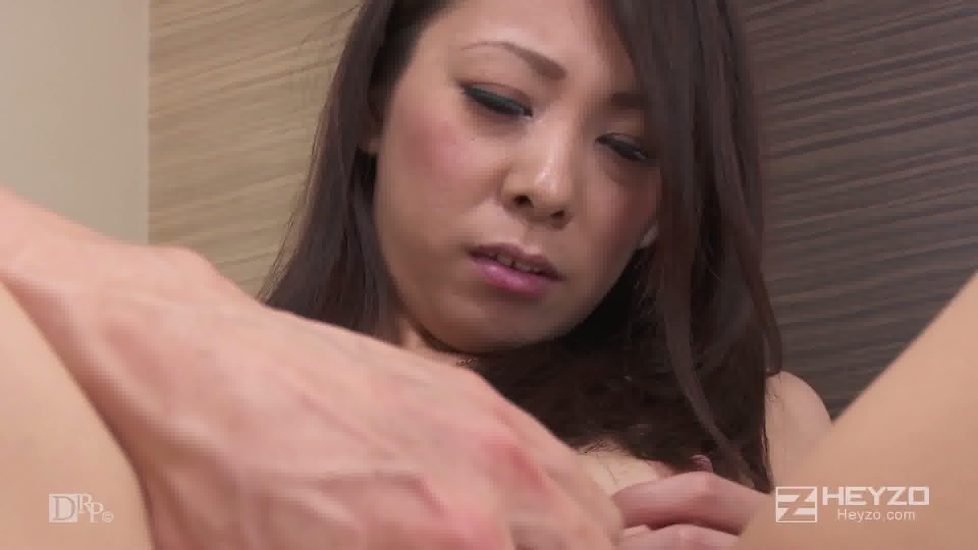 突撃!街頭人妻ナンパ~脱がせてみたらスゴかった~ - ASUKA【乳もみ オナニー 手マン】