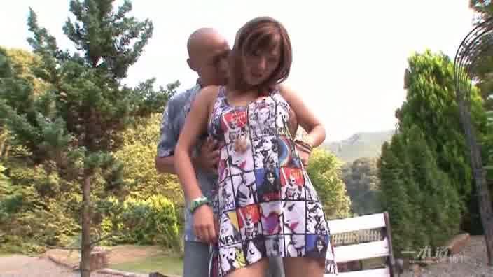 豪快爽快中出し青姦【AIKA】