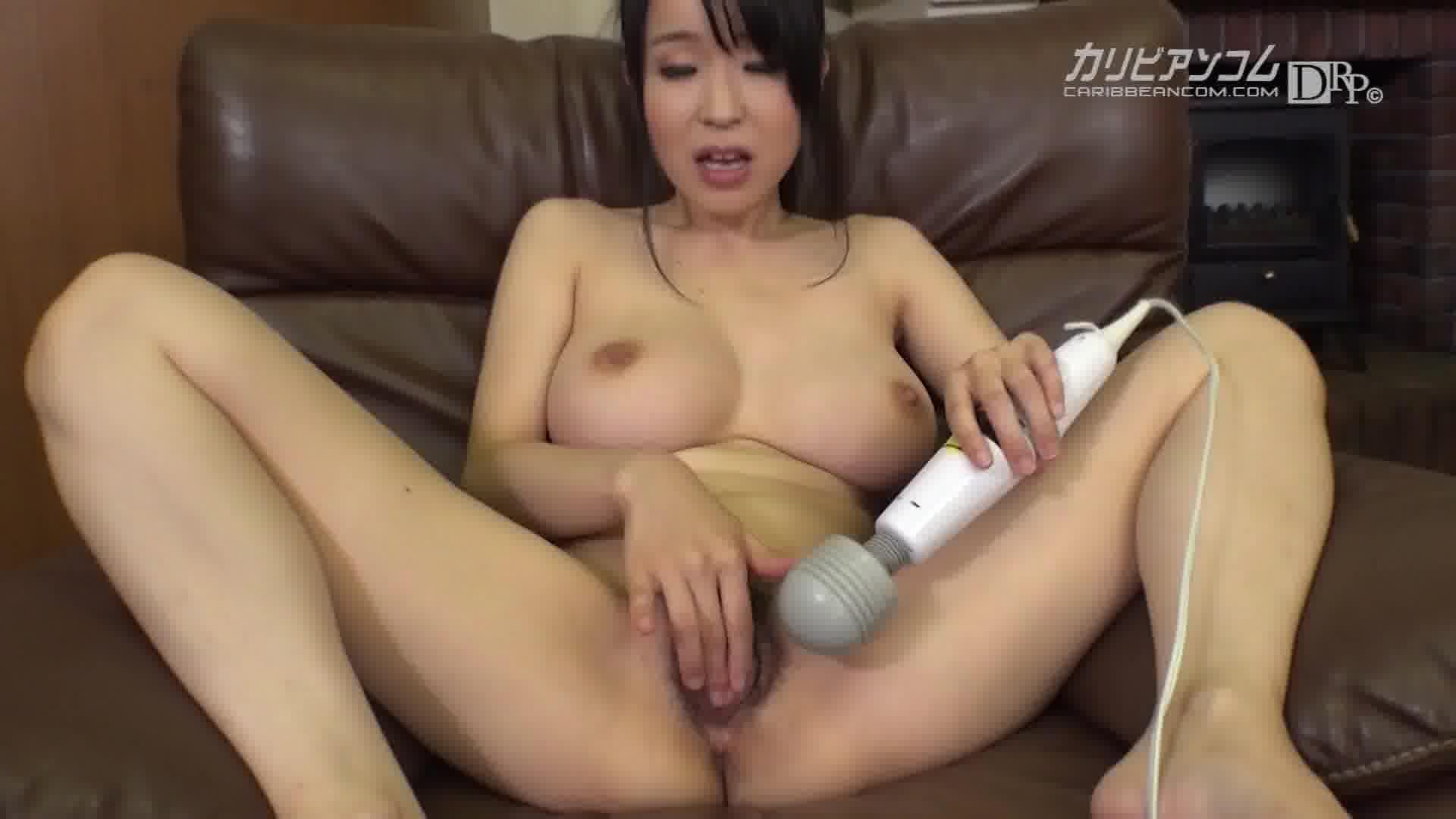 THE 未公開 ~敏感マゾ乳のすごいパイズリ2~ - 里中結衣【巨乳・パイズリ・手コキ】