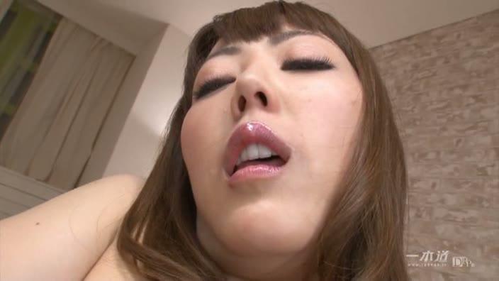 飢えたパイパン美魔女がザーメンまみれ【古瀬玲】