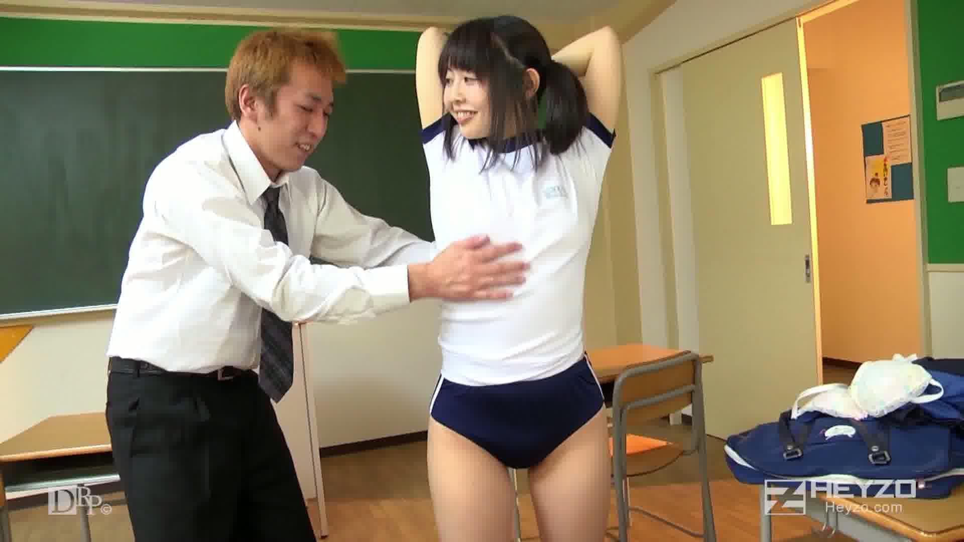 ロリっ娘の濡れたブルマ~変態コスプレ教室~ - 伊澄知世【キス 着替え ご開帳 指マン】