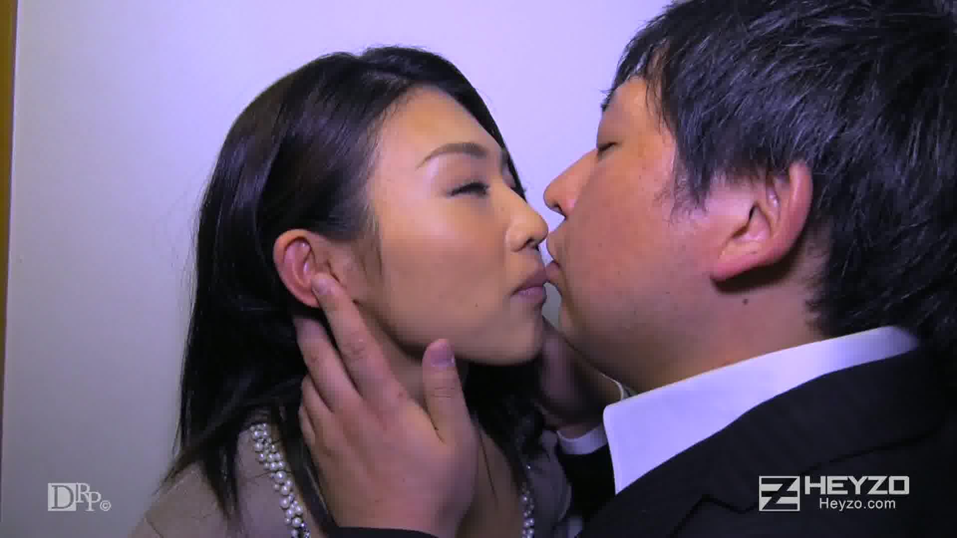 他人妻味~華奢な熟女のよがり声~ - 郡司結子【ベロチュー 乳首責め クンニ 指マン】