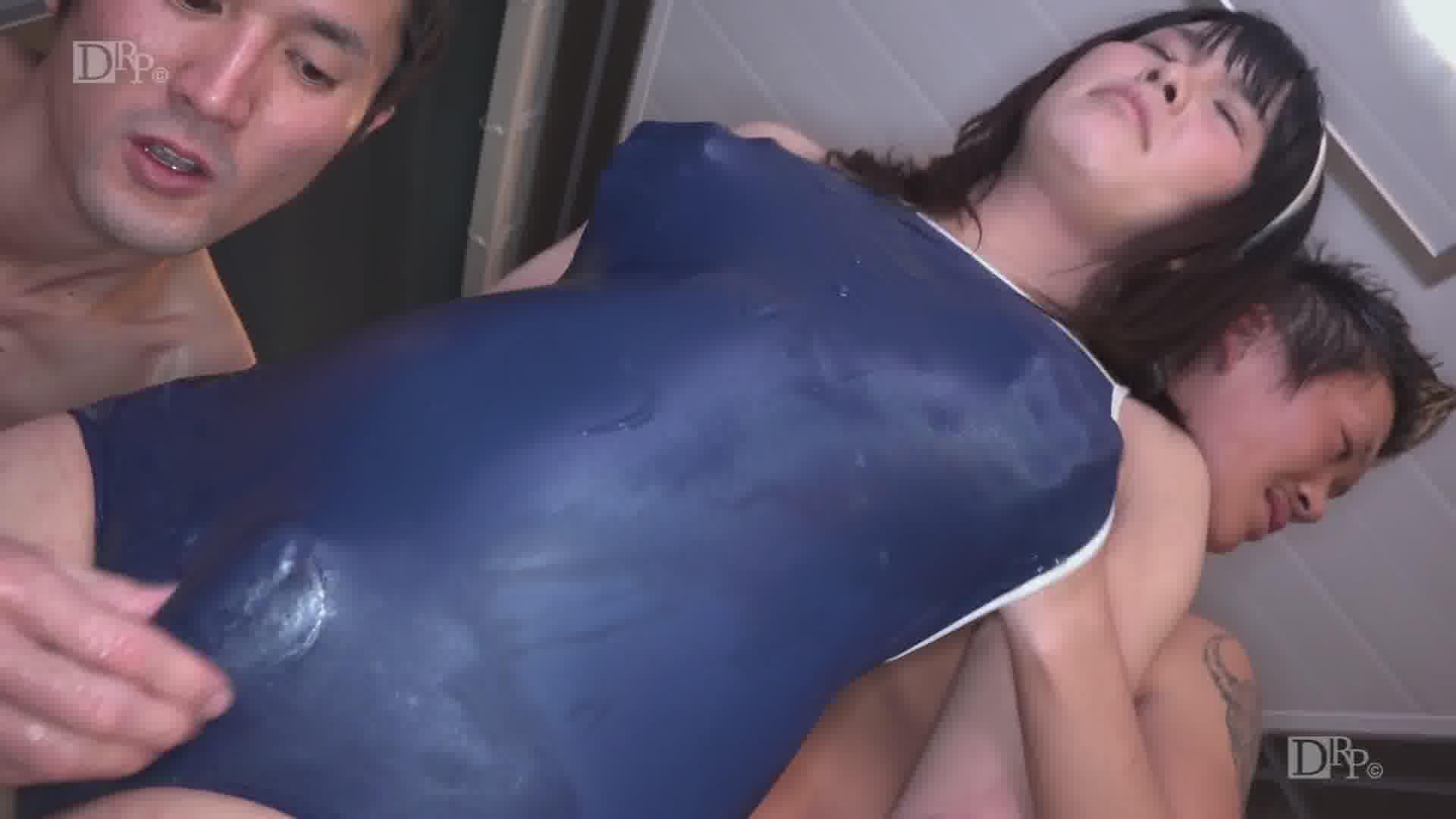スク水ニューハーフ3Pに挑戦! - 優姫エレナ【乱交・ニューハーフ・アナル】