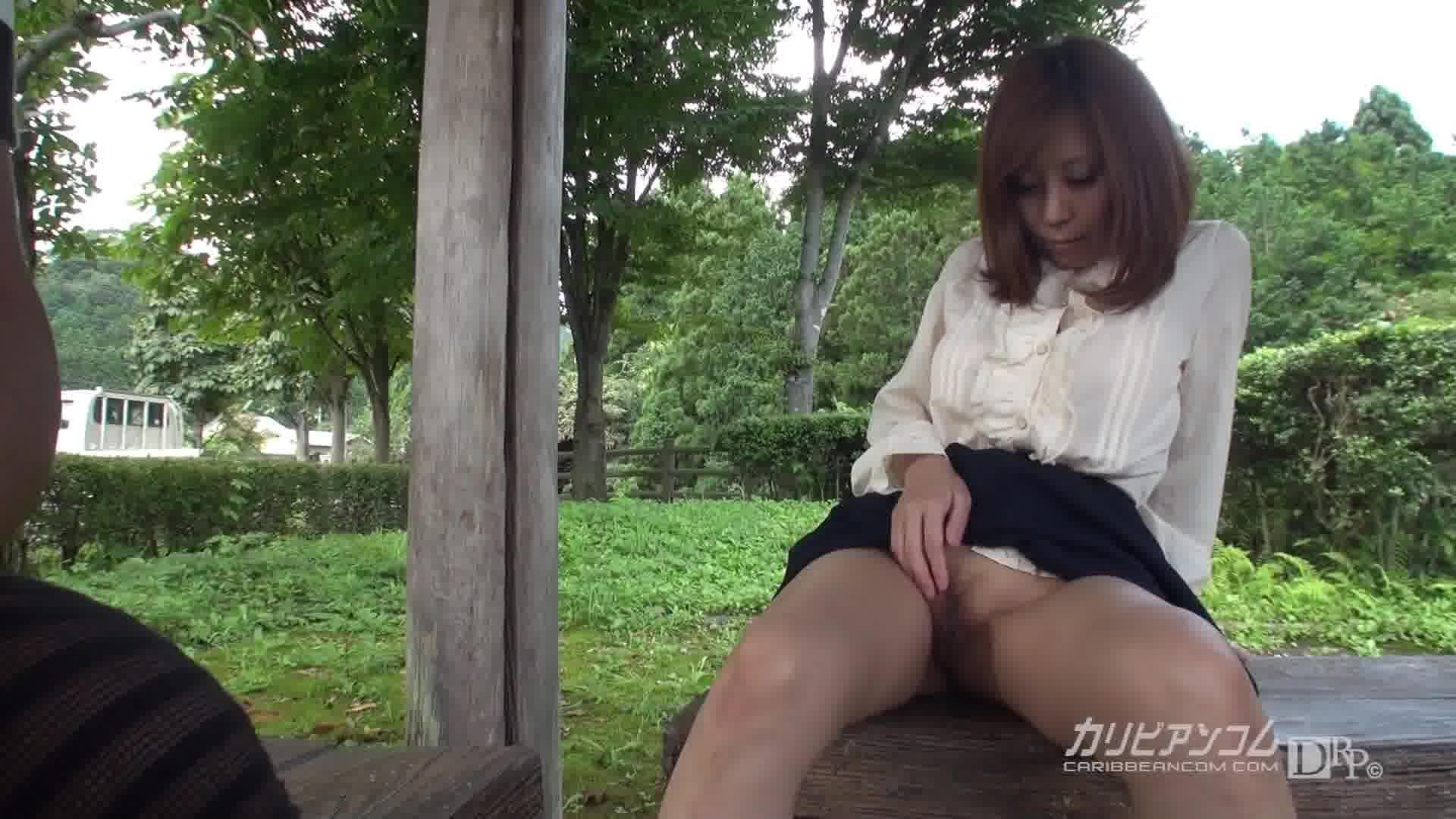 可愛すぎる熟女の青空マンコの約束 - 秋野千尋【巨乳・カーセックス・野外露出】
