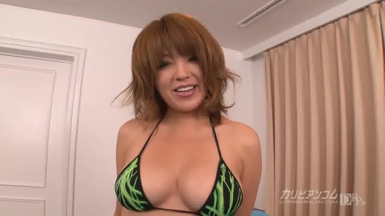 インテリ痴女のふしだら生痴態 - 桜まい【巨乳・水着・痴女】
