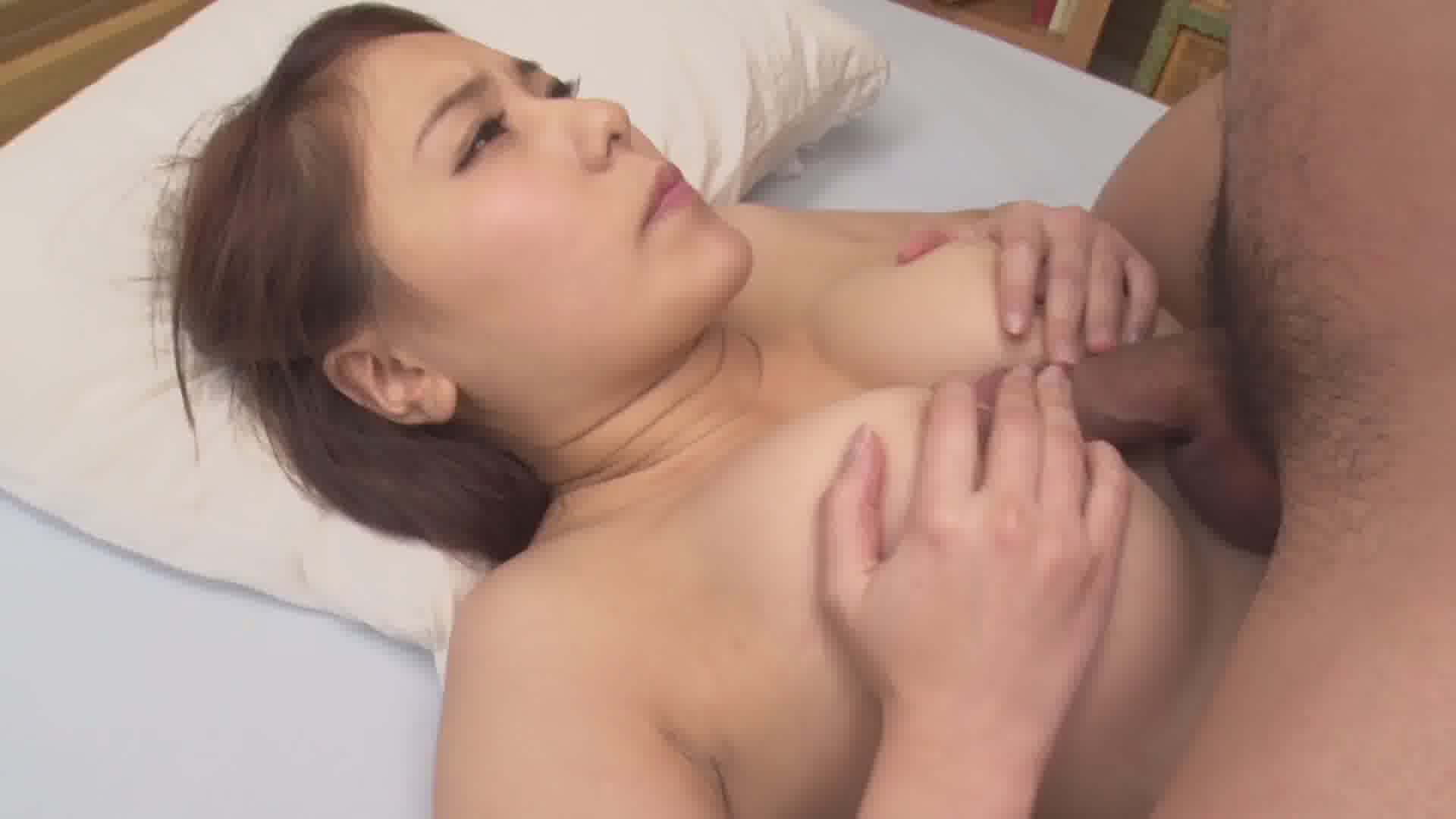 挿入とオシャブリを繰り返すループアクメ - いずみ美耶【巨乳・パイパン・3P】