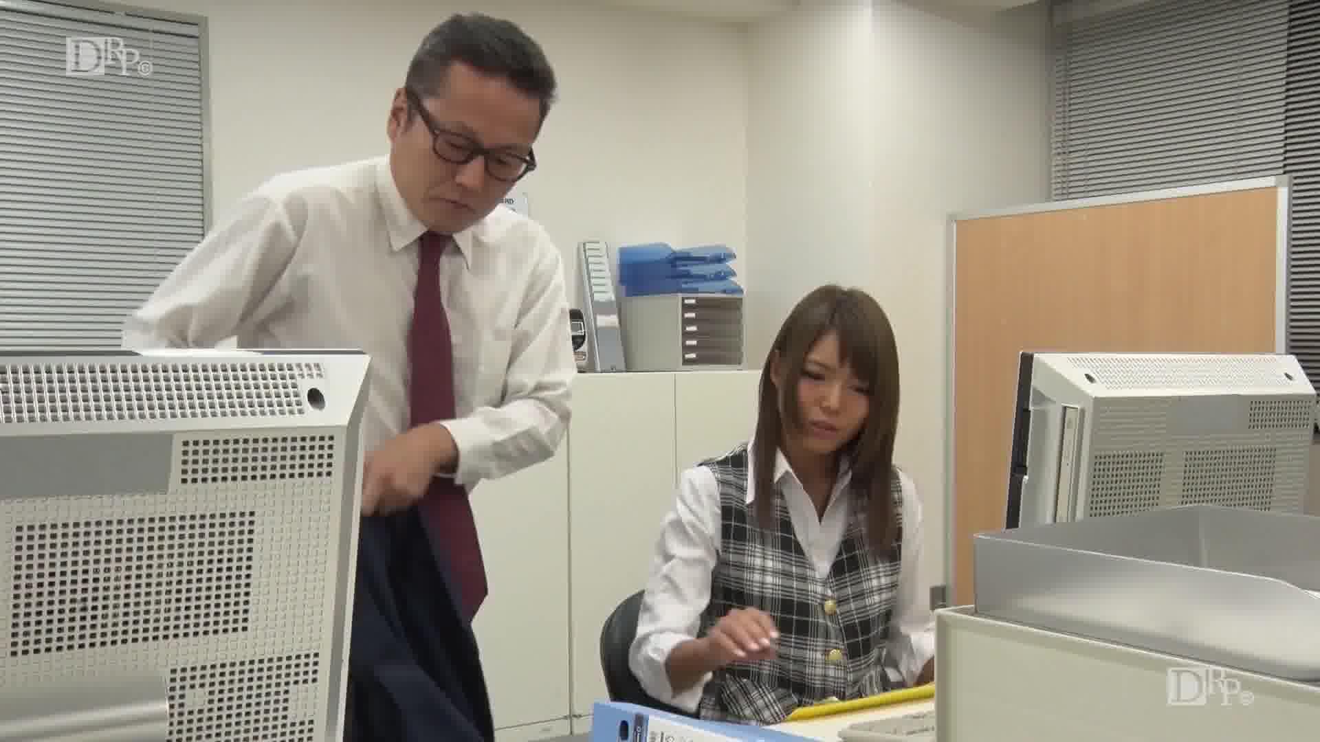 押しに弱い美人OL - 碧しの【コスプレ・ギャル・SM】