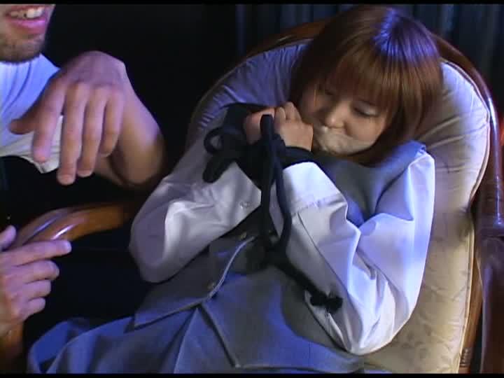 女子校生監禁岬ジュン