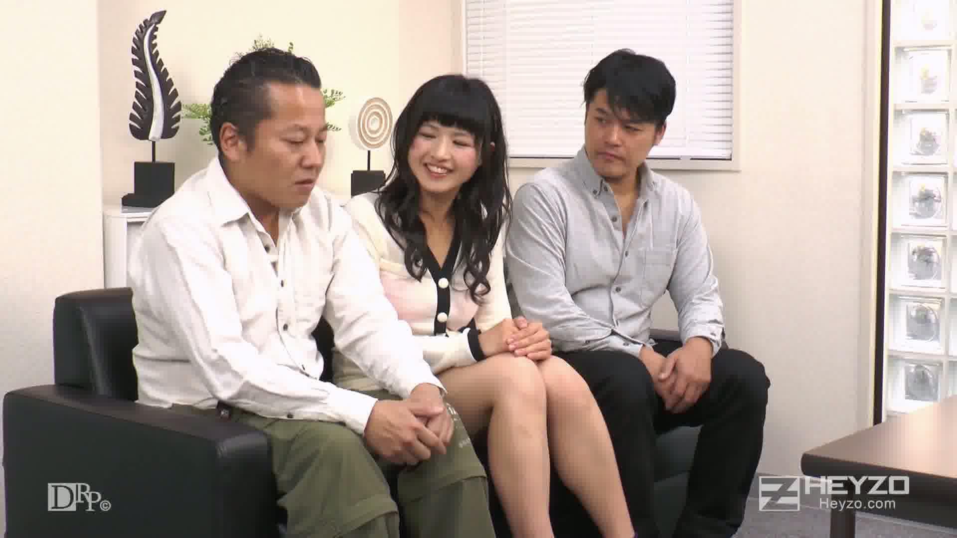 まんこ屋~新入社員はヤル気マンマン!~ - ゆずき【絡み開始 指マン Wフェラ 3P】