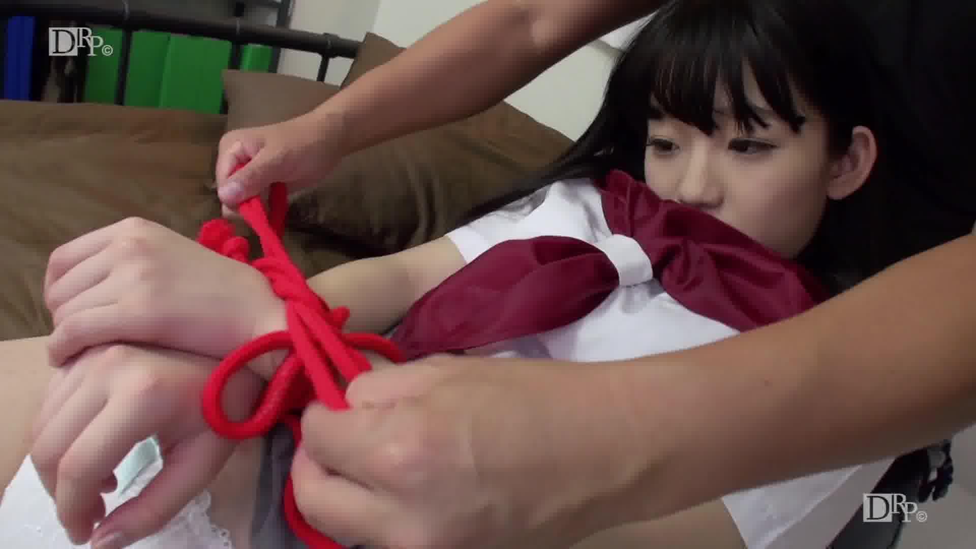 ドスケベでドMな童顔娘 - 姫川ゆうな【コスプレ・潮吹き・制服】