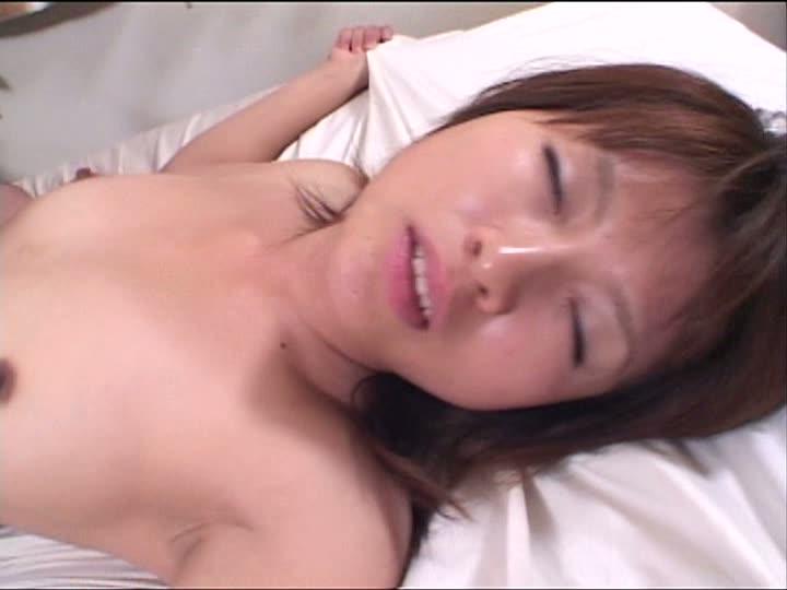 高膣圧のマンコから精液ドロリ木下真子