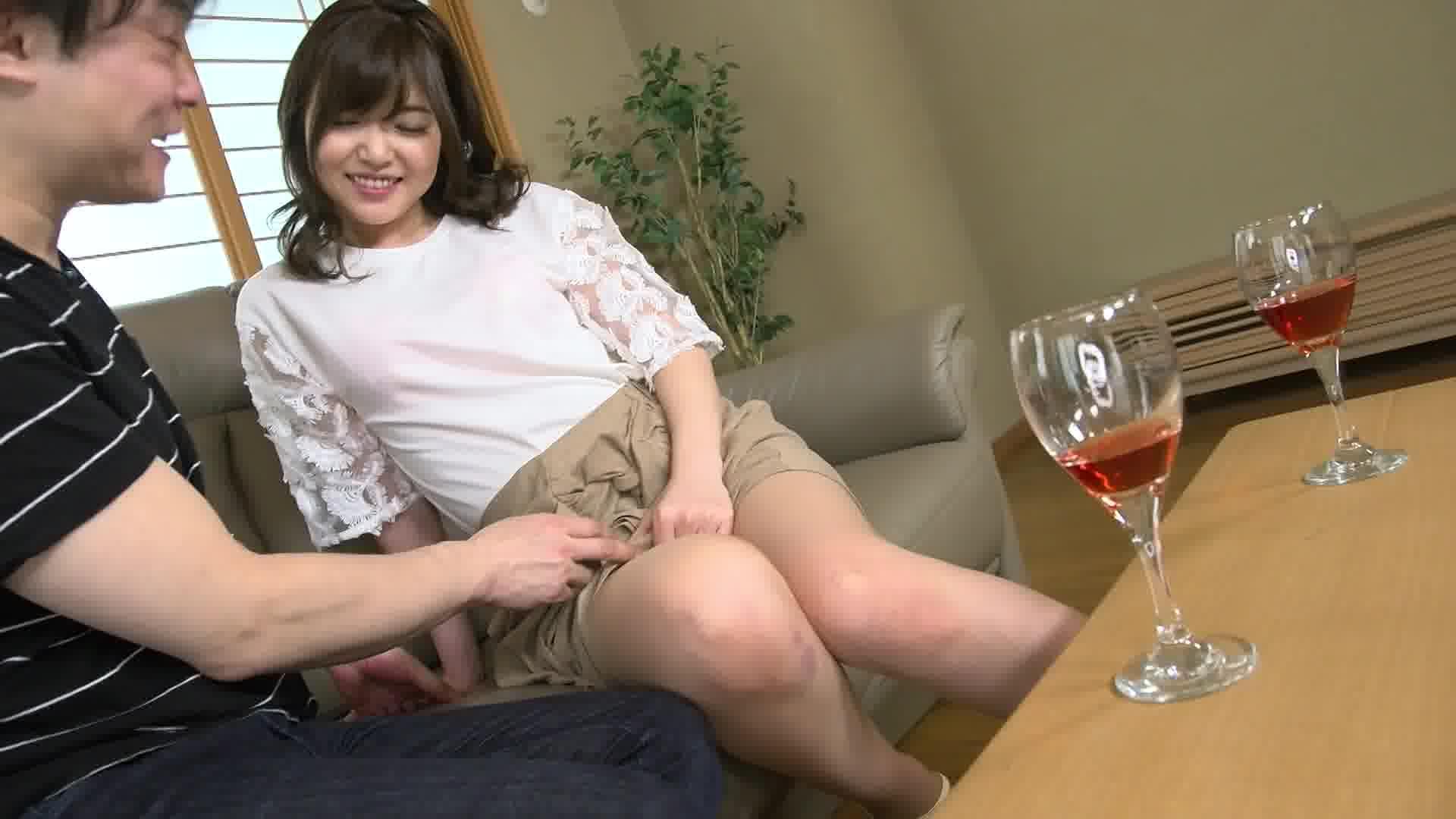 飲み姿エロイイGP ~急ピッチでビッチ化したお股がユルすぎるんじゃ~ - 碧しの【美乳・スレンダー・中出し】