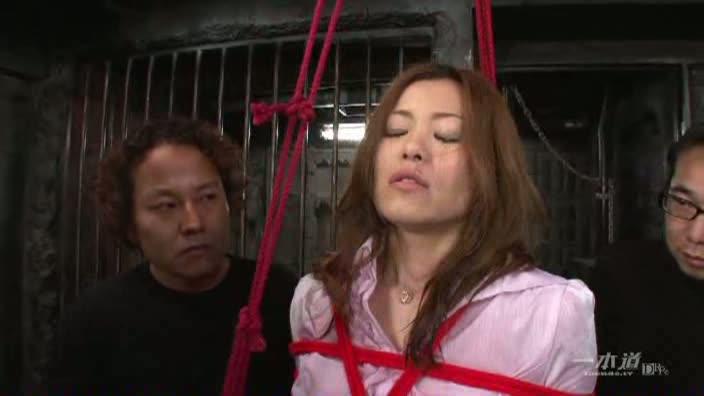 肉便器育成所 〜鼻フック怨み屋本舗〜【館木唯】