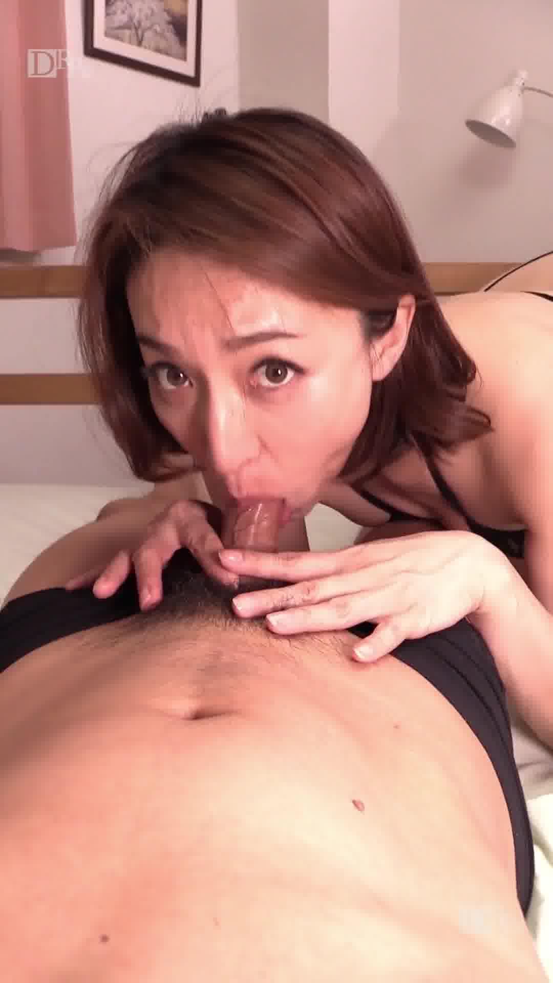 縦型動画 030 ~レジェンドフェラチオ~ - 松本まりな【痴女・パイズリ・69】