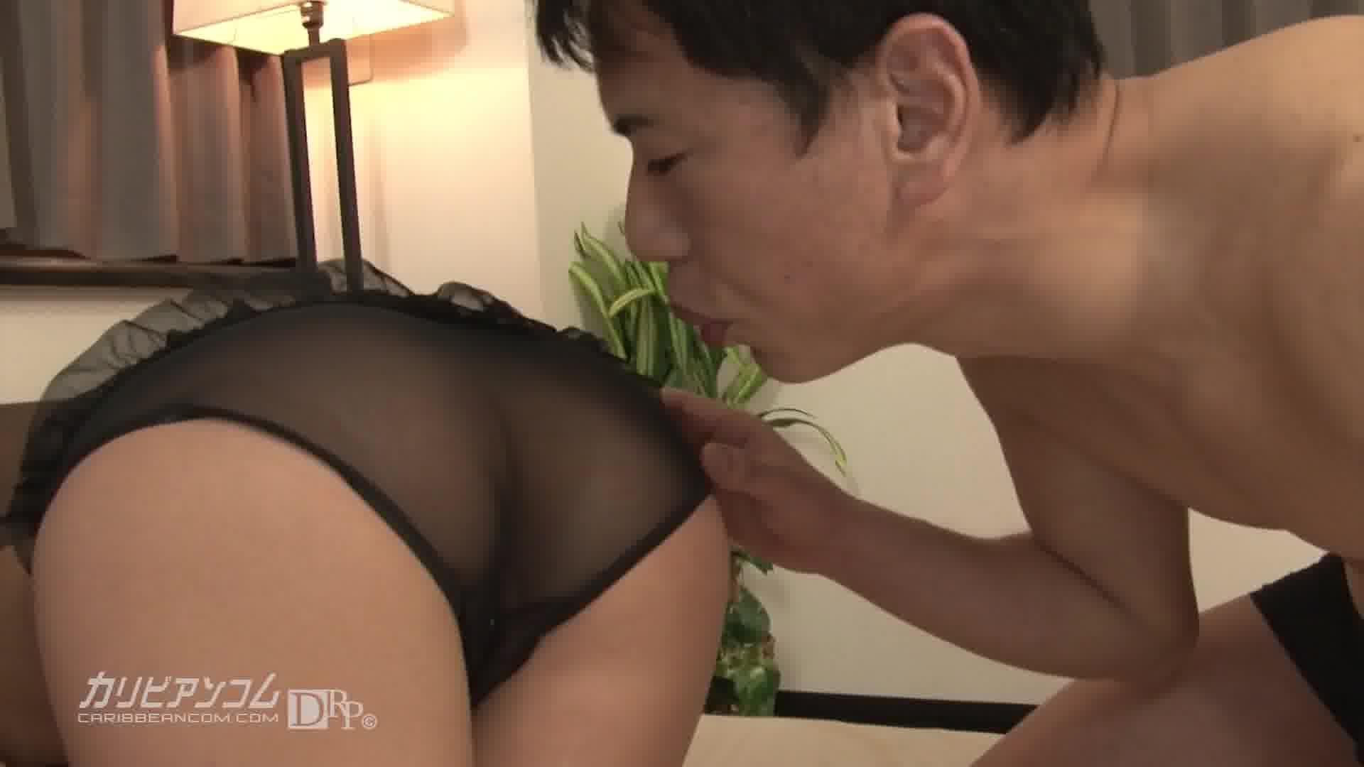 拘束されたいドM美女 - 水野葵【パイパン・3P・中出し】