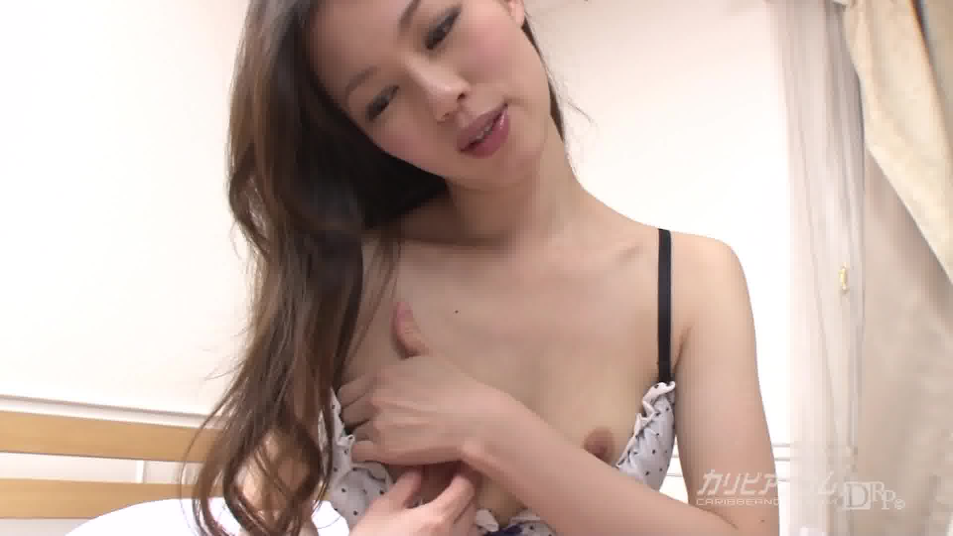 V字下着でオマンコ隠れてないよぉ - 吉村美咲【潮吹き・オナニー・バイブ】