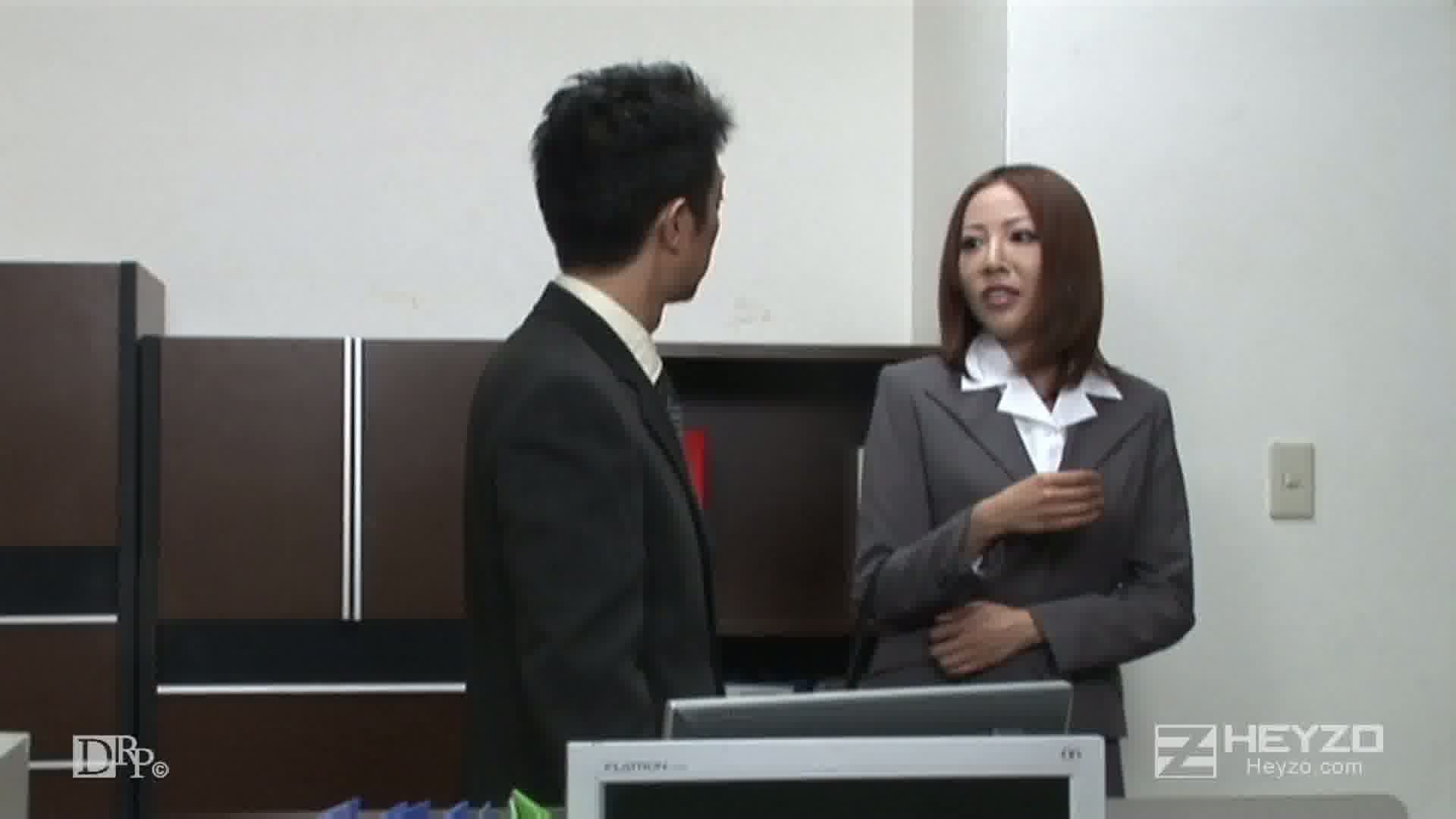 弱みを握られた敏腕美人秘書~汚された高嶺の花~ - 水川エミリ【ディルド】