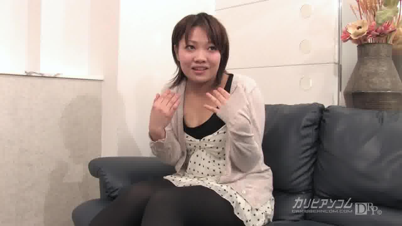初めてのAV Vol.15 - ゆうな【巨乳・乱交・初裏】