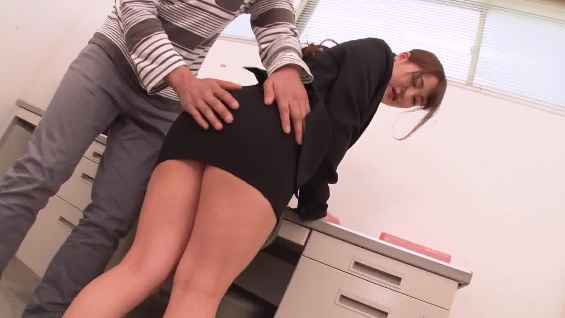 THE 未公開 〜尻コキ・尻コキ・尻コキ〜 - 北条麻妃【OL・手コキ・美乳】