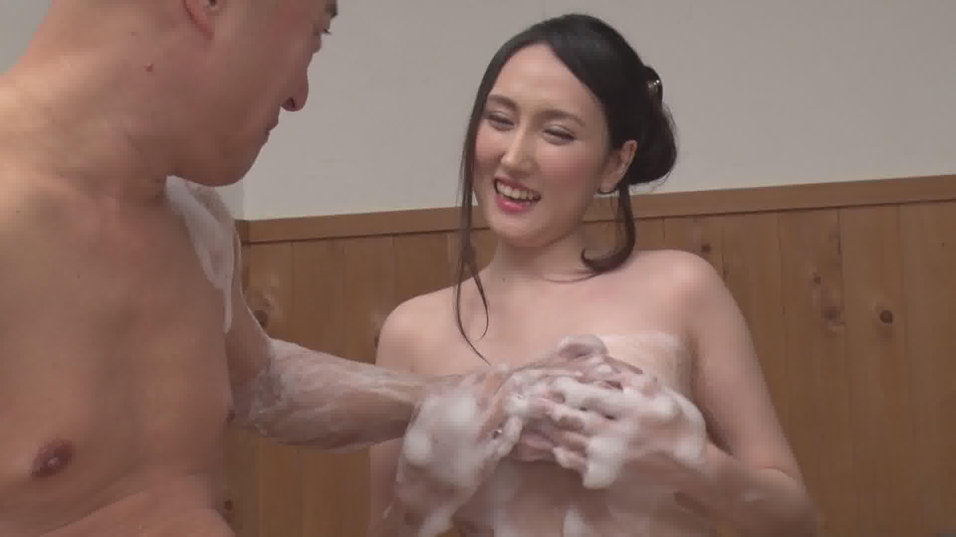 洗練された大人のいやし亭 ~白い美乳が浮かぶお風呂にて~ - 美月アンジェリア【巨乳・浴衣・中出し】