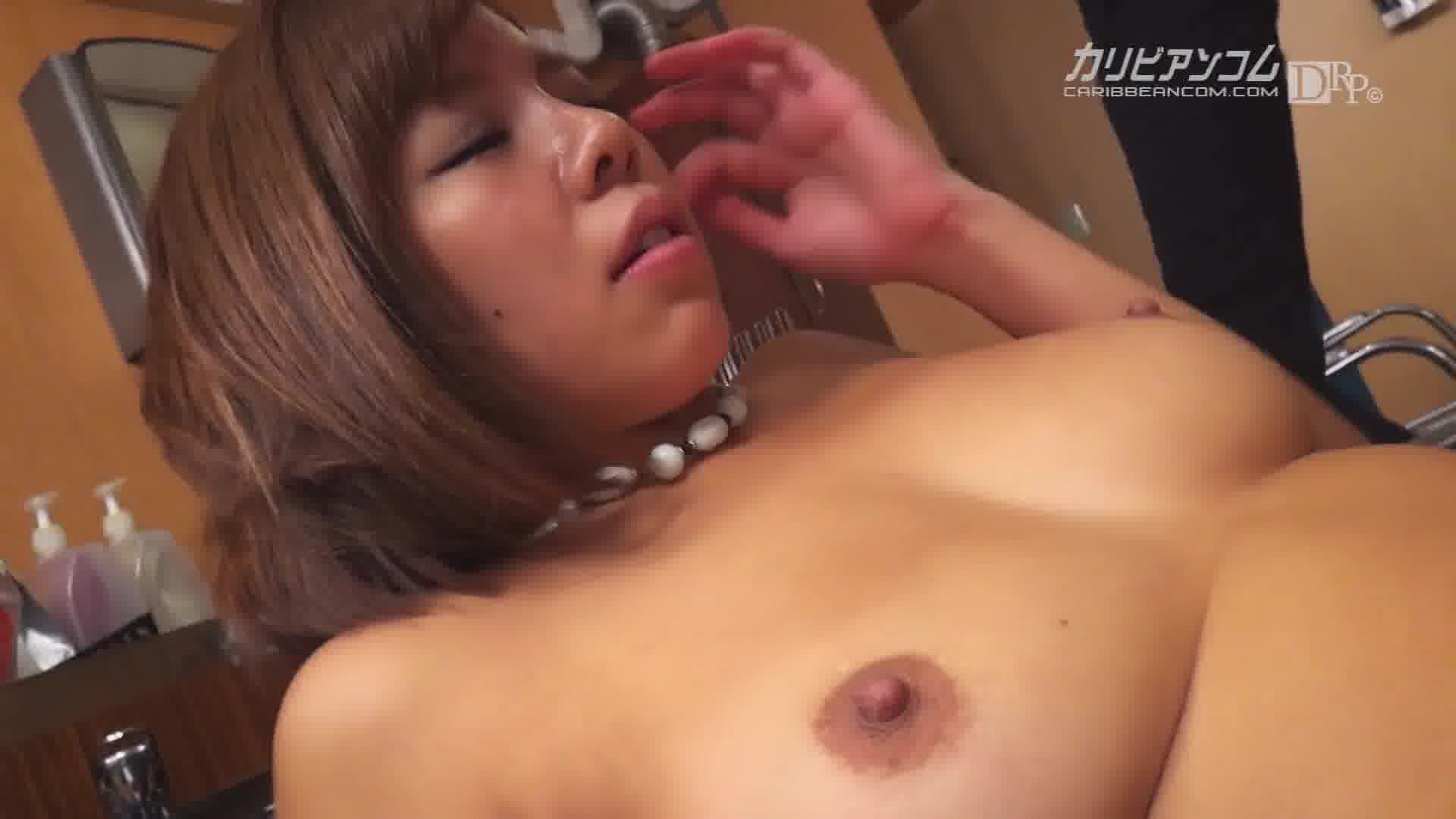 ワーキングおっぱい過失乳 ~美容師編~ - 西条沙羅【巨乳・パイズリ・潮吹き】