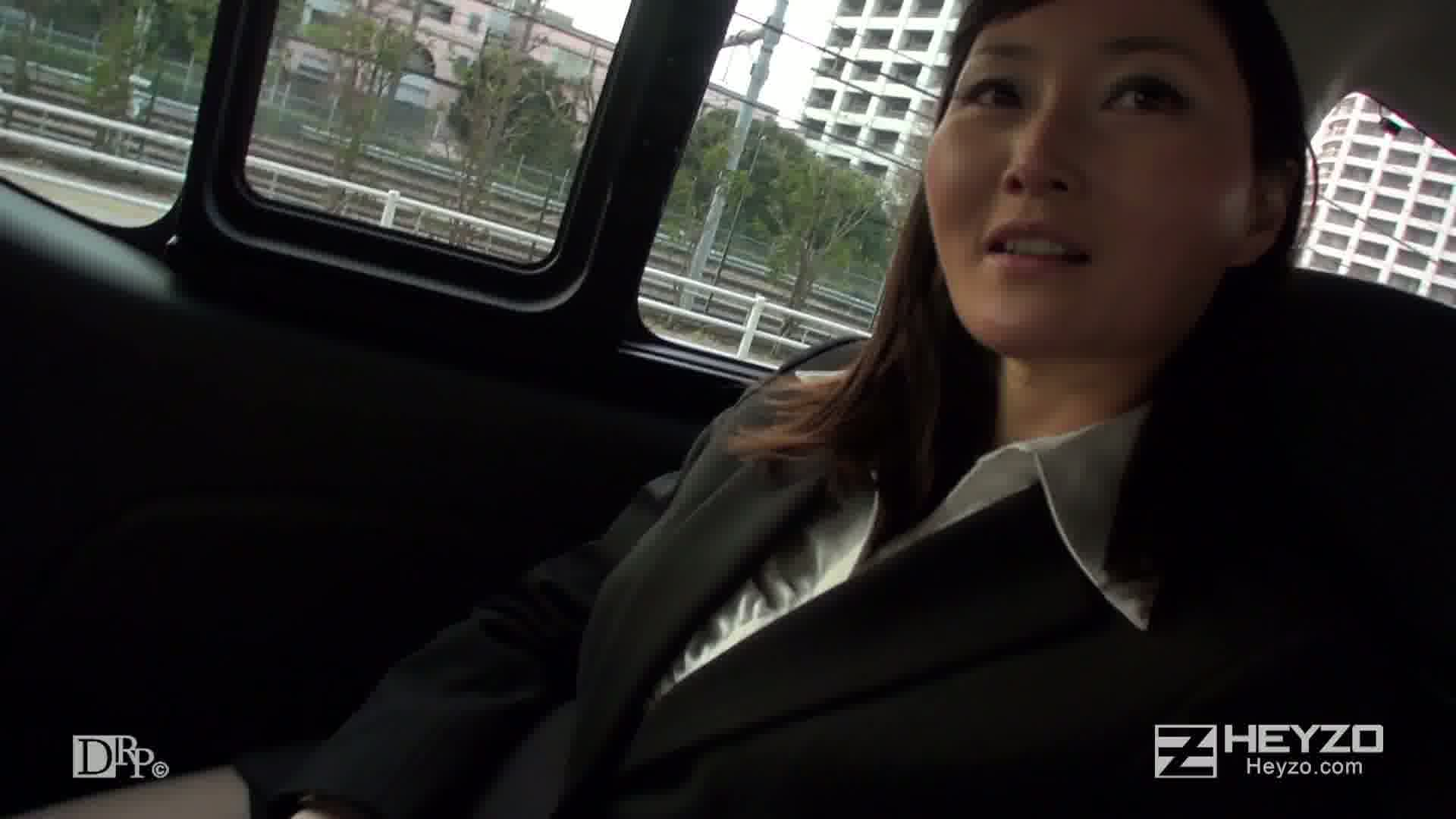 キャリアウーマンの渇き~ヤリ手セールスレディは欲求不満~ - 恵美【車 フェラ ホテル 騎乗位挿入 正常位】