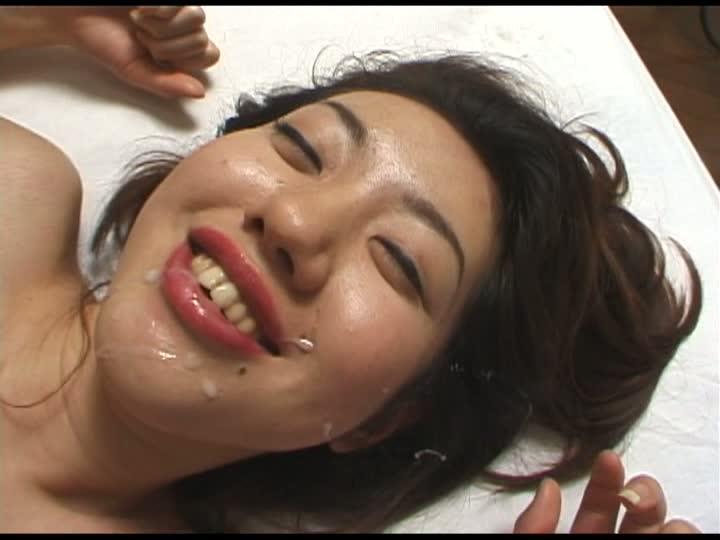 男をイカセる淫乱女三井ユリ