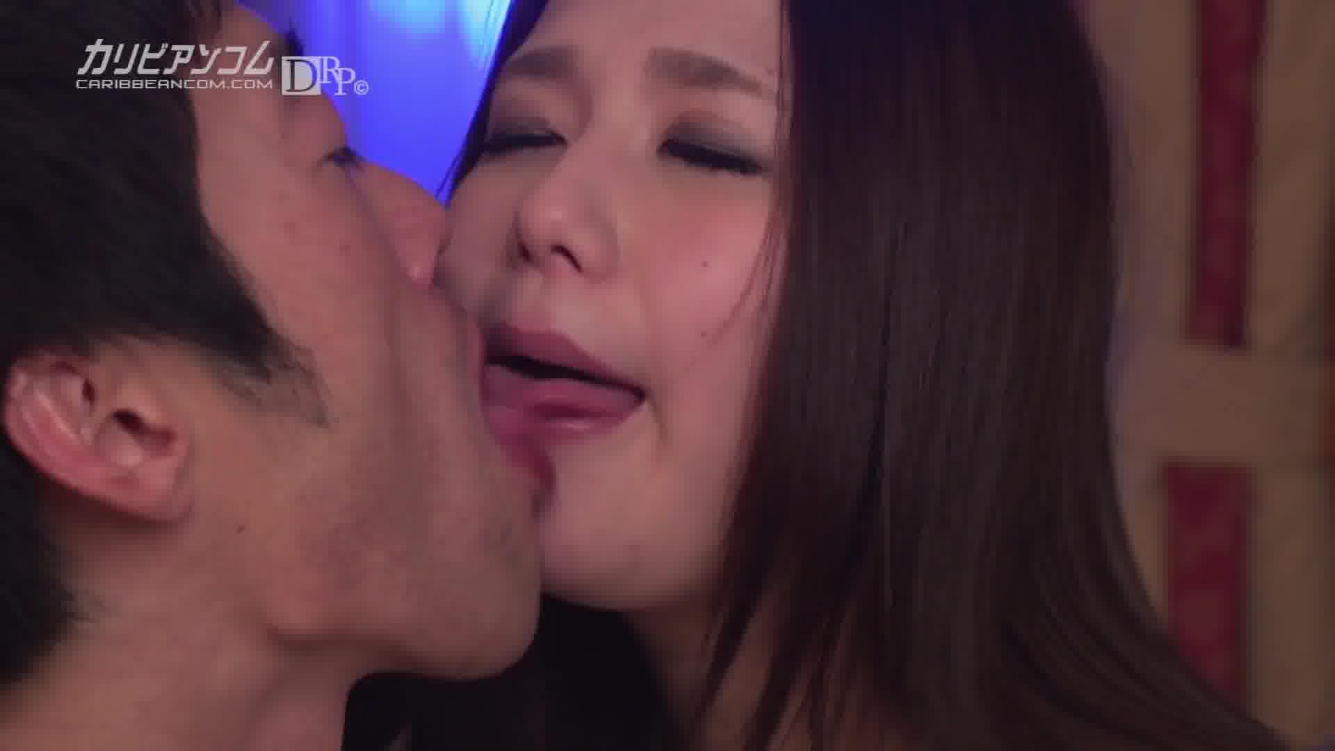 本気すぎてせつない、ファンと恋オチ - 佐伯ゆきな【巨乳・オナニー・手コキ】