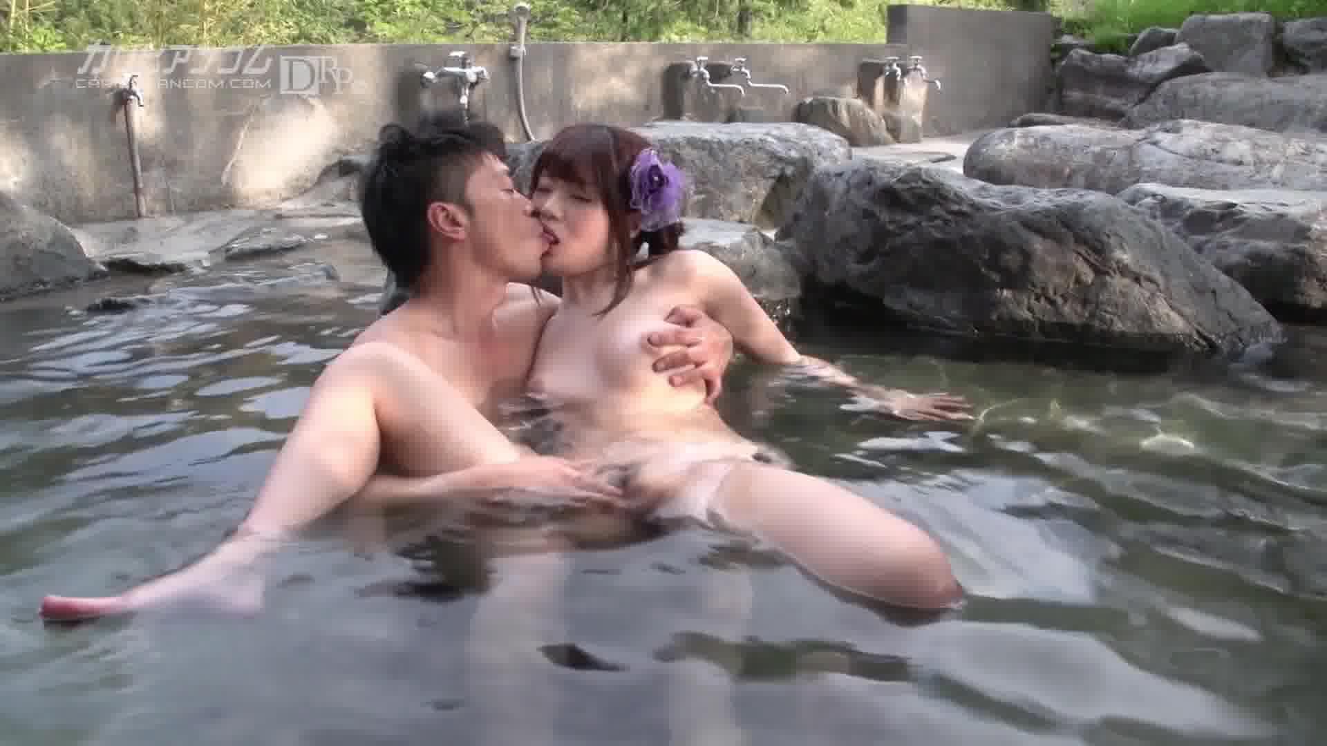 温泉宿で独り占め - 川村まや【野外露出・初裏・浴衣】