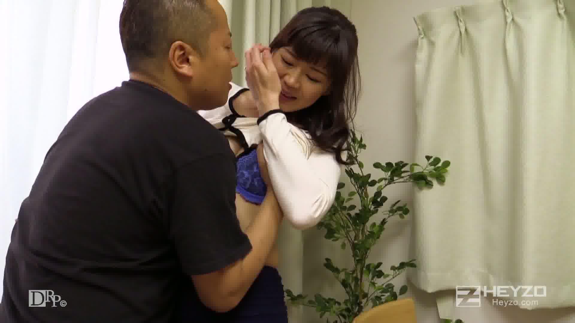他人妻味~長身美人妻の淫らな欲望~ - 西岡奈央【キス 指マン クンニ】