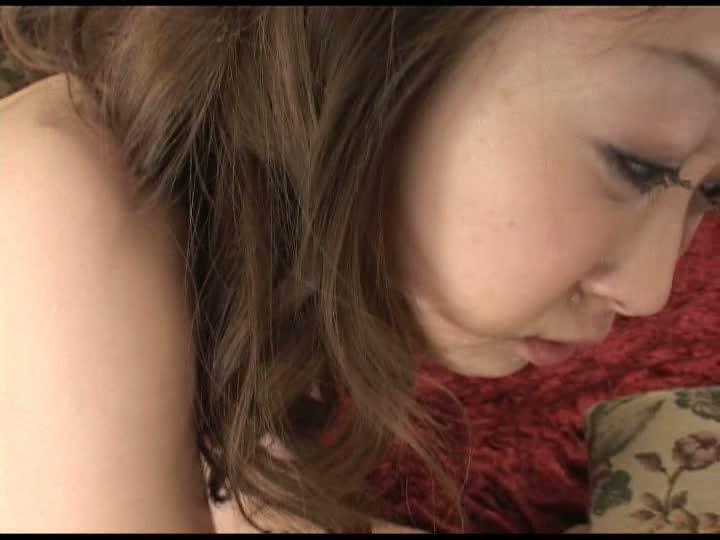 Eカップロリ妹系美少女とラブハードSEX白咲ひなの