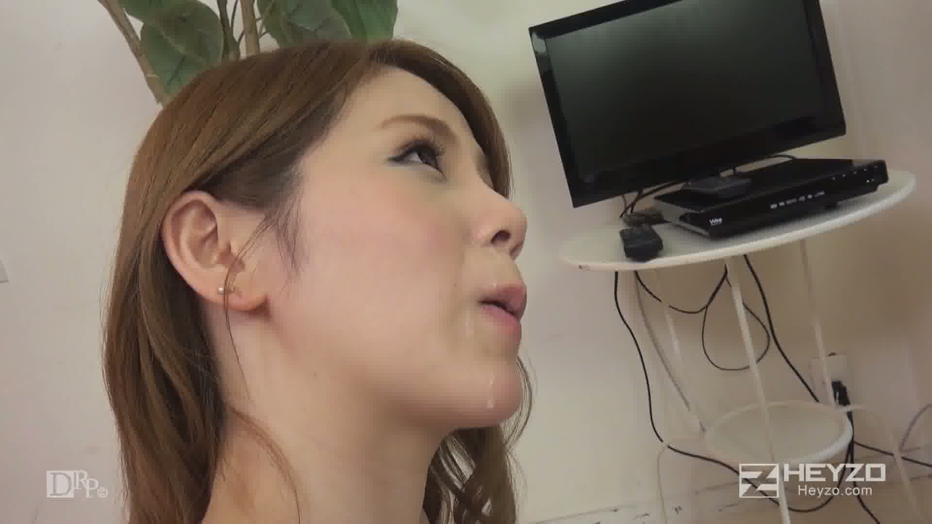 爆乳女優に逆ドッキリ!~え?素人さんじゃないの?~ - 小泉真希【フェラ 手コキ】