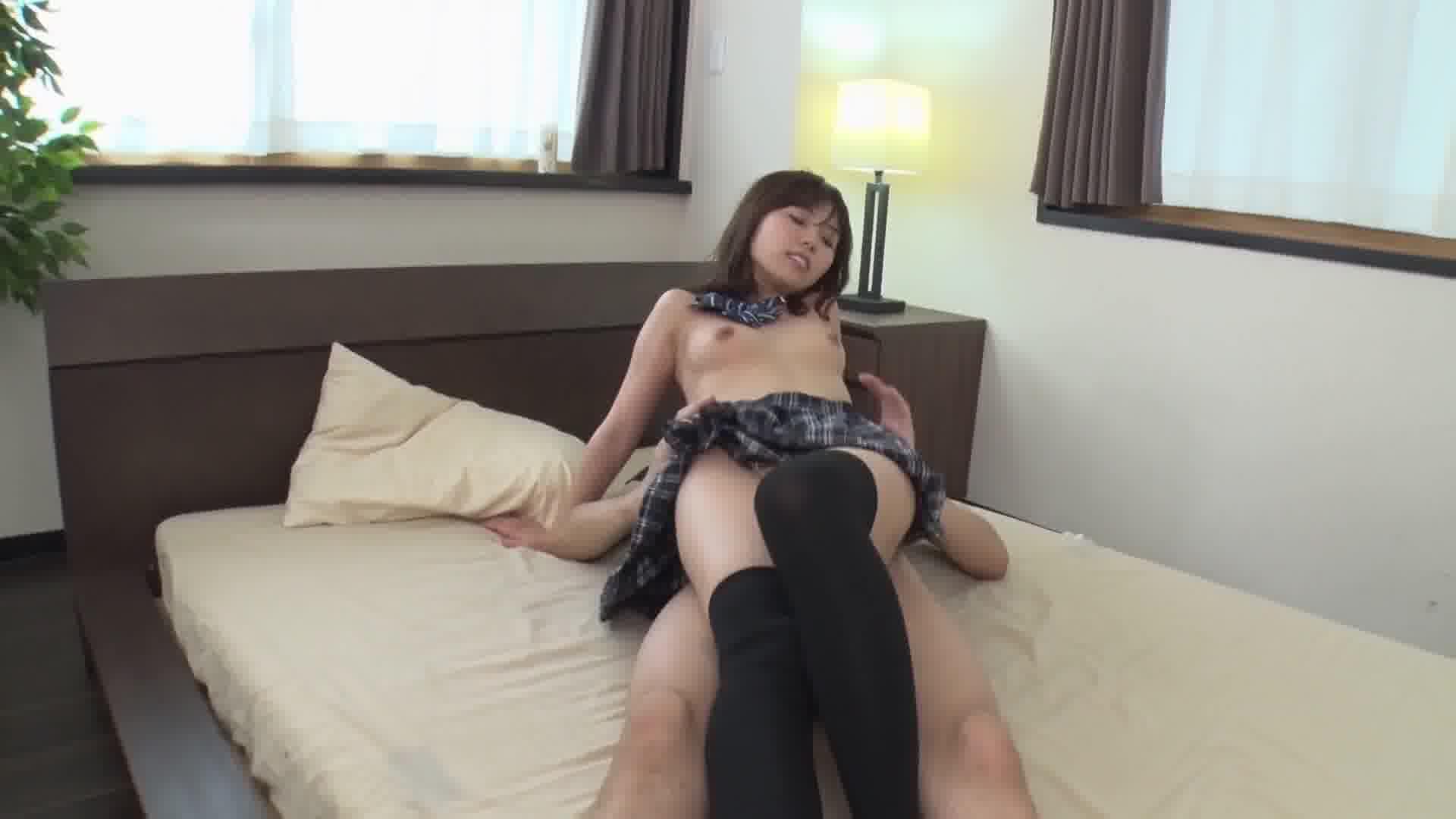 愛しの絶対領域 - 水鳥文乃【制服・パイパン・美乳】