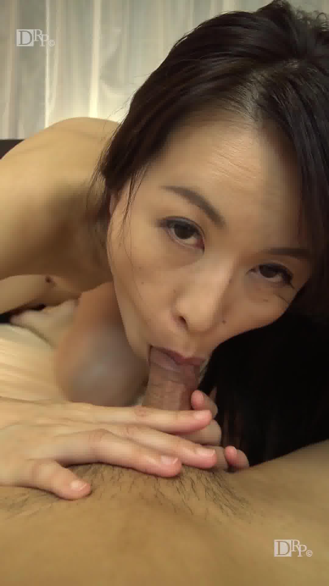 縦型動画 027 ~グイグイくる熟女の隠語フェラ~ - 井上綾子【痴女・スレンダー・隠語】