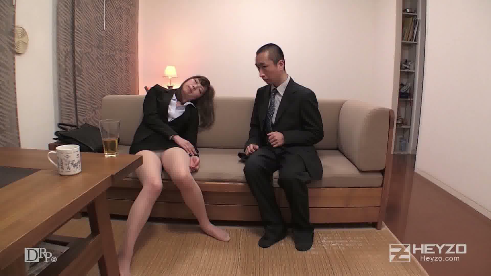 美痴女~タイトなミニスカで誘う淫女~ - 加藤ツバキ【飲み 熟睡 おさわり ベロチュー】