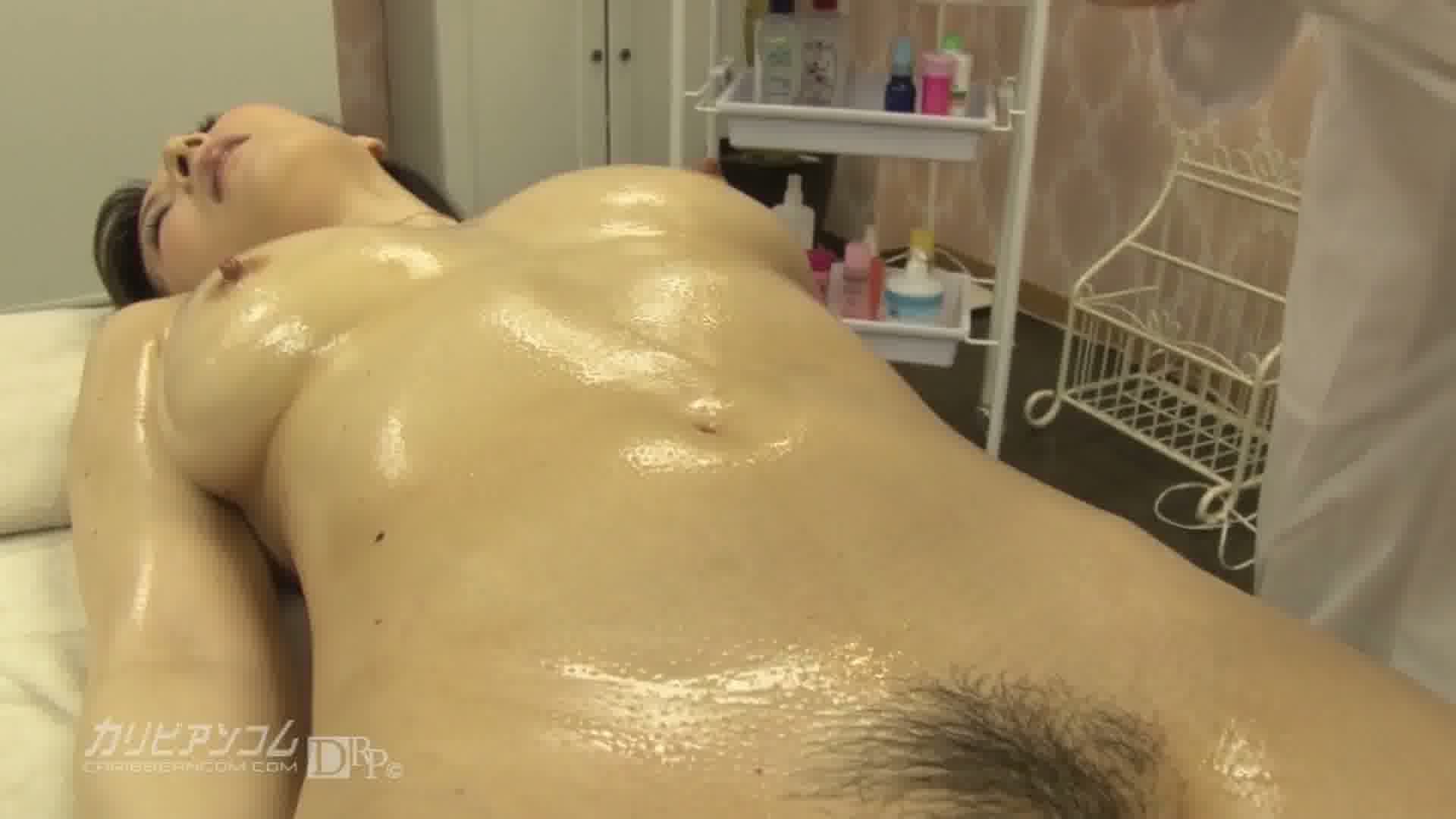 極上セレブ婦人 Vol.12 - 大橋ひとみ【巨乳・パイズリ・潮吹き】