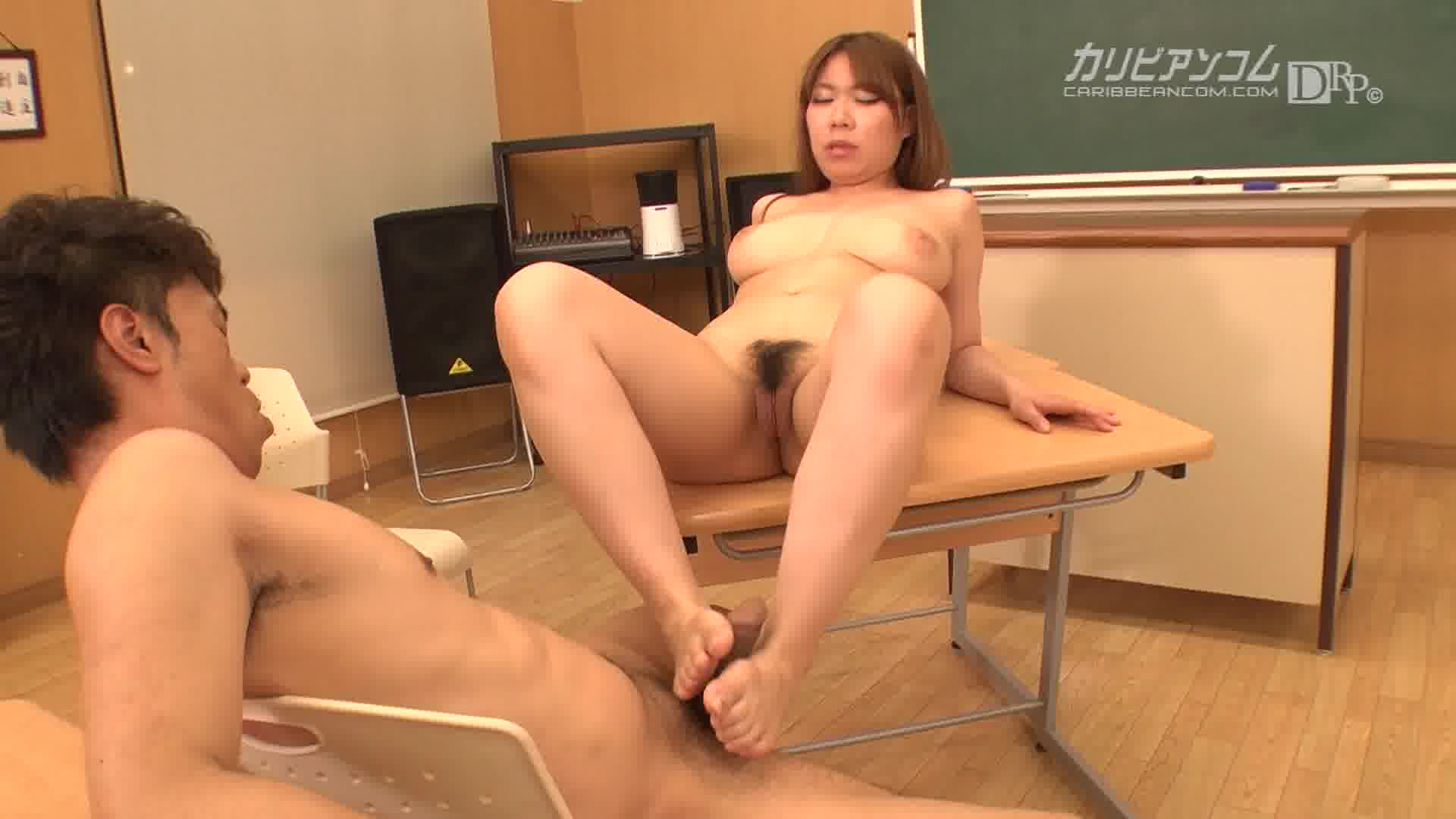 Japan teacher fucking young girl students — pic 1