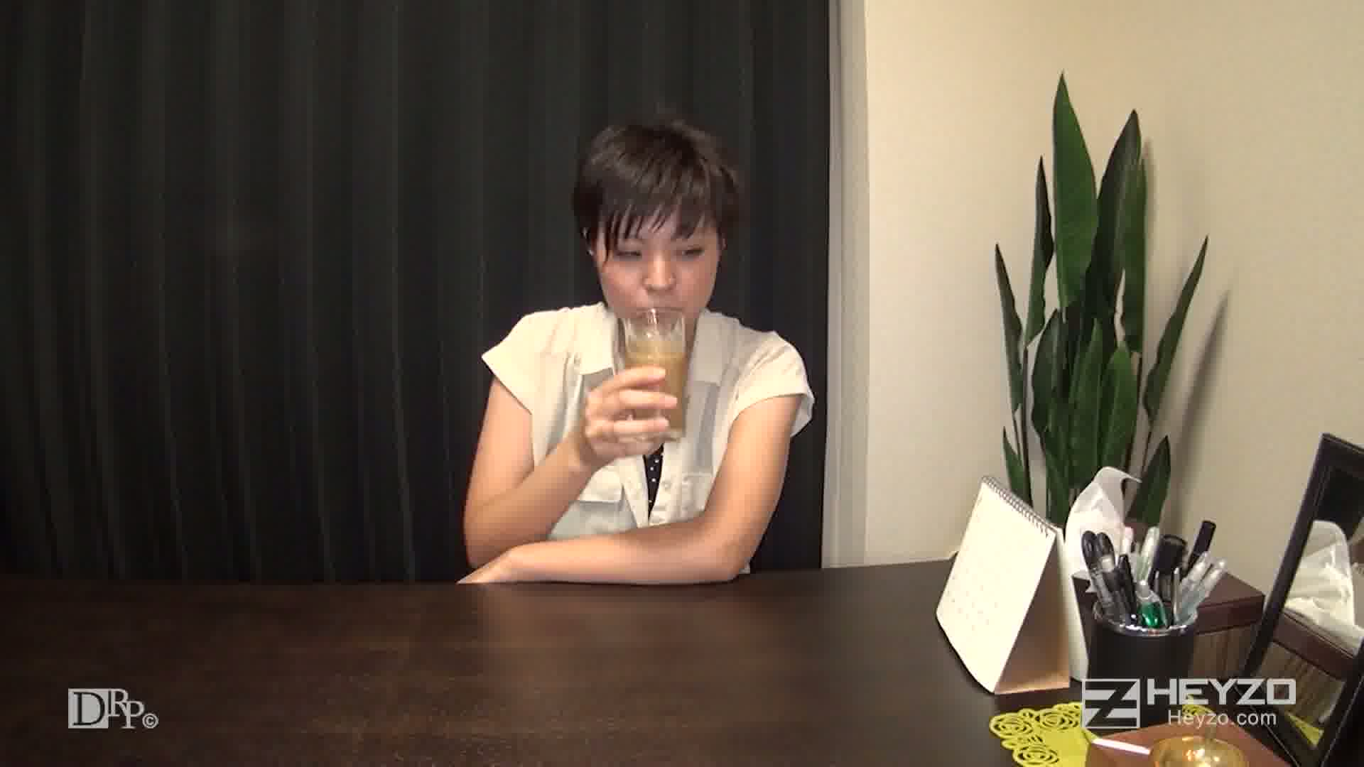 出会い系SNSハメ撮り日記~メイド喫茶店員とニャンニャンえっち~ - 木田美優【インタビュー 着替え】